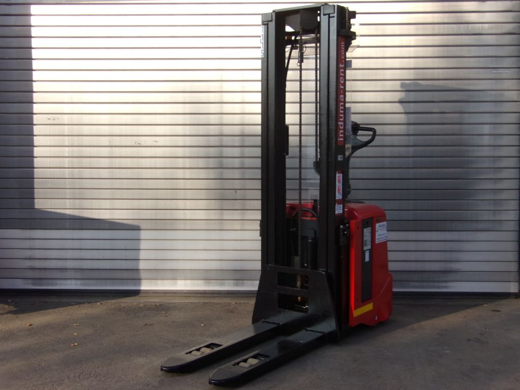 Toyota-7SLL16F-High Lift stacker-www.induma-rent.com