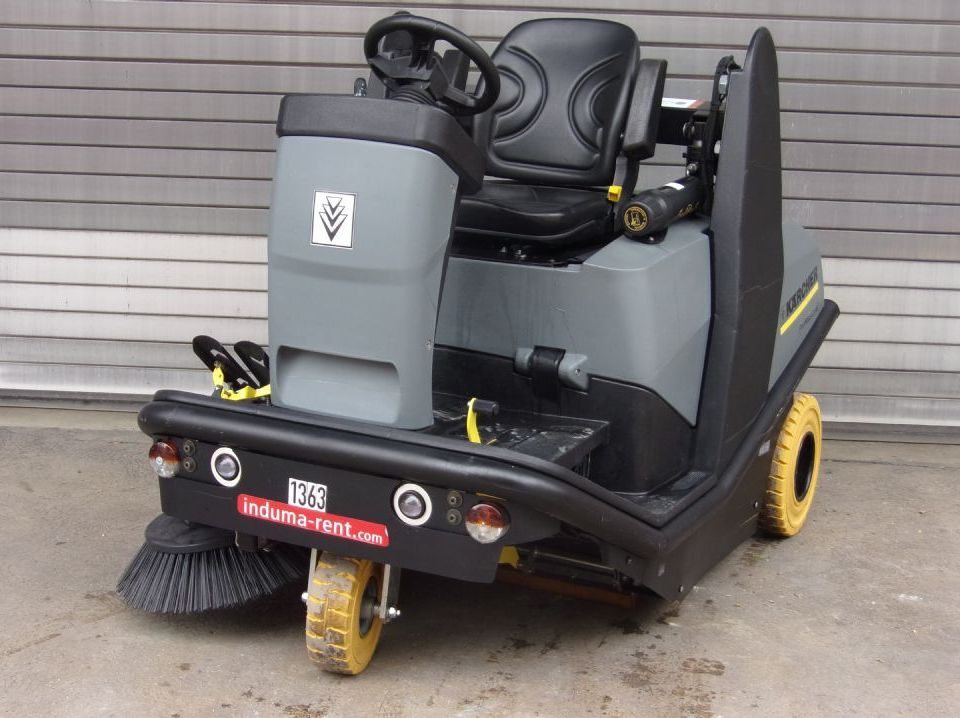 Kärcher-KM 120/150 R D-Sweepers and vacuum cleaning machine-www.induma-rent.com