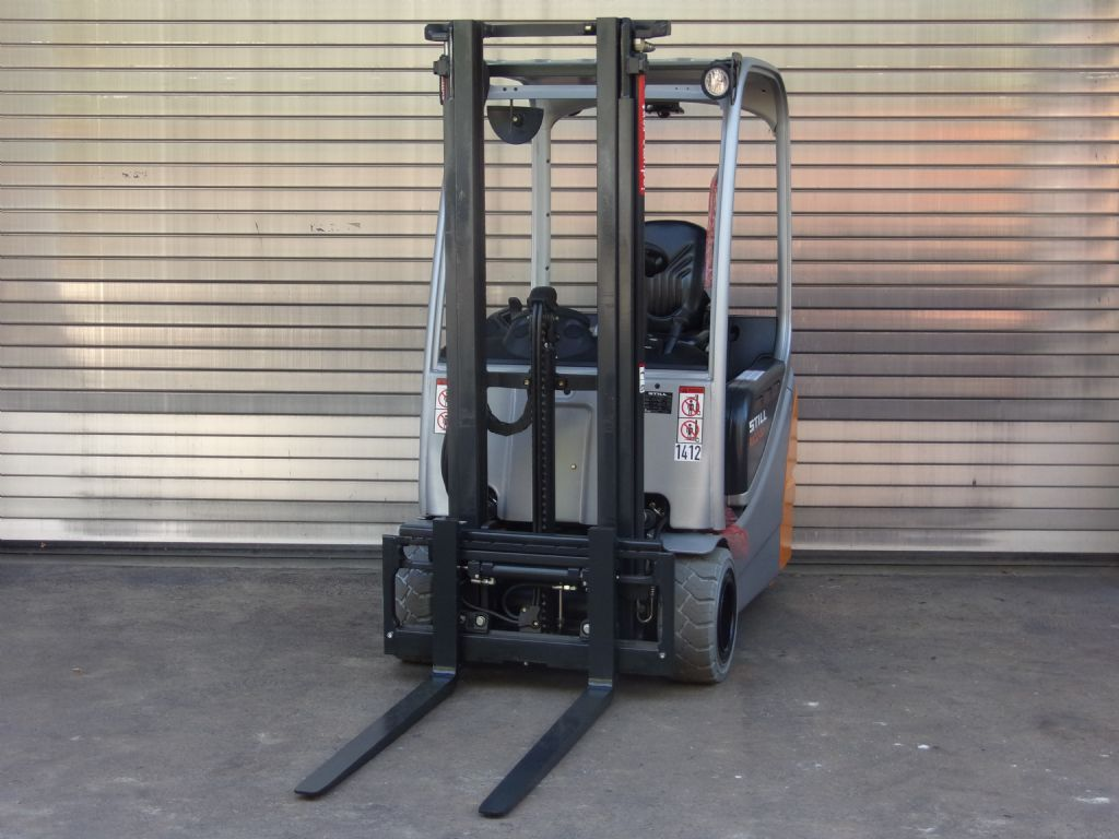 Still-RX20-20-Elektro 3 Rad-Stapler-www.induma-rent.com