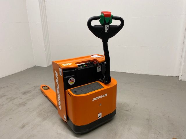 Doosan LEDH18 Niederhubwagen www.isfort.com