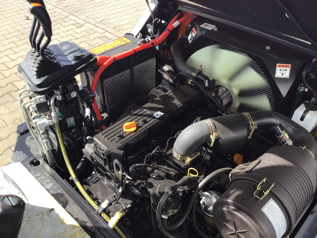 Doosan-D30G-PLUS-Dieselstapler -www.isfort.com