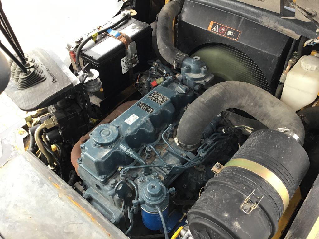 Hyundai-30D-7E-Dieselstapler -www.isfort.com