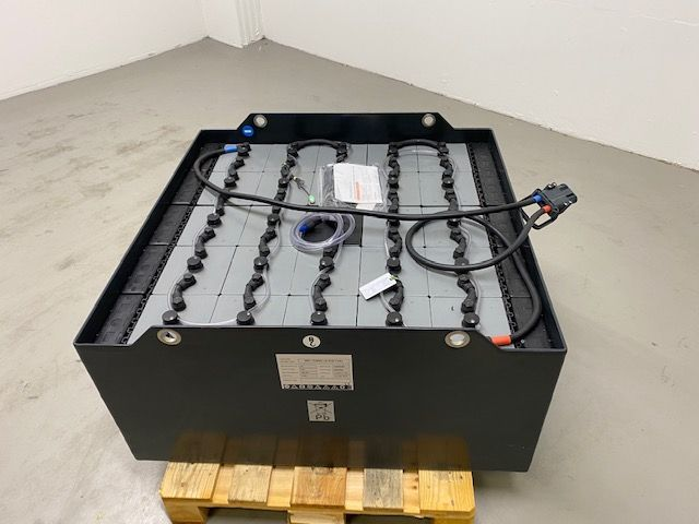 *Sonstige *NEU* Sunlight 48 V / 720 Ah Antriebsbatterie www.isfort.com