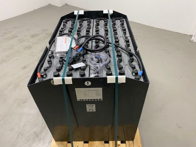 *Sonstige *NEU* Sunlight 80 V / 560 Ah Antriebsbatterie www.isfort.com