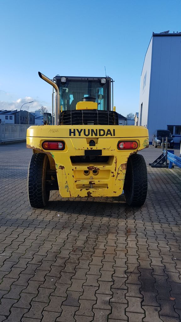 Hyundai-160D-7A-Schwerlaststapler -www.isfort.com