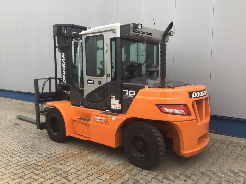 Doosan-D70S-7-Dieselstapler -www.isfort.com