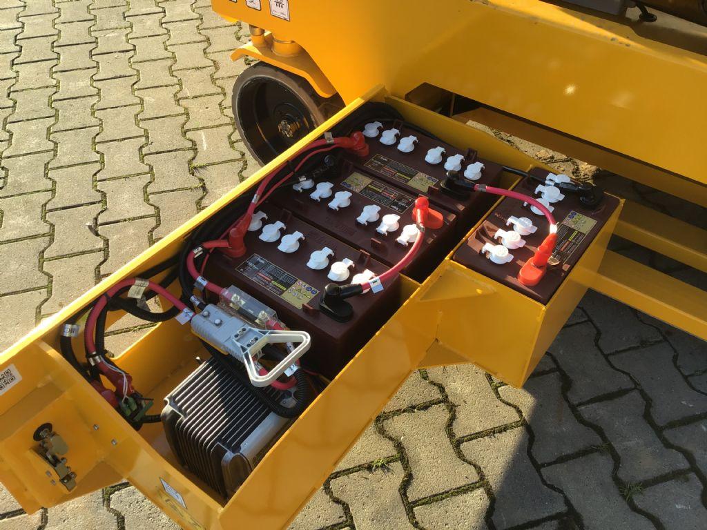 JCB-S4046-Scherenarbeitsbühne -www.isfort.com
