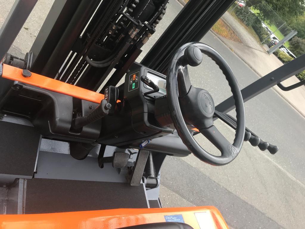 Toyota FBMF30 Elektro 4 Rad-Stapler www.staplerjena.de