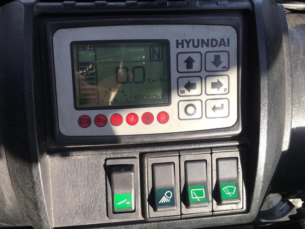 Hyundai 30BHA-7 Elektro 4 Rad-Stapler www.staplerjena.de