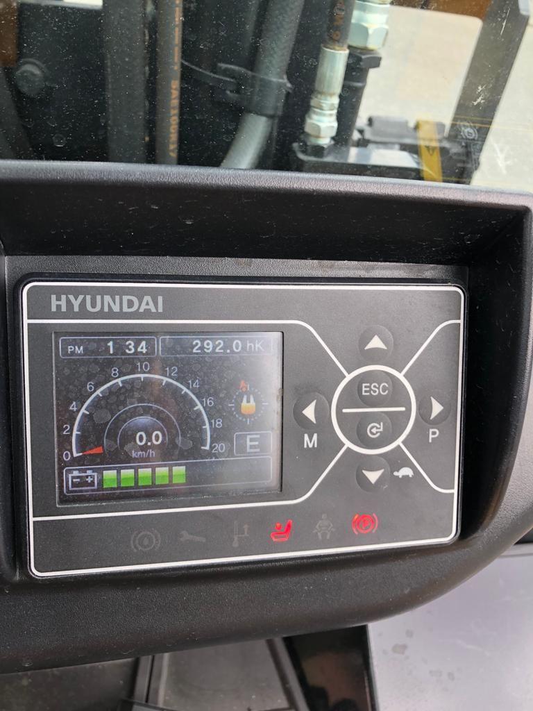 Hyundai 50 B - 9 Elektro 4 Rad-Stapler www.staplerjena.de