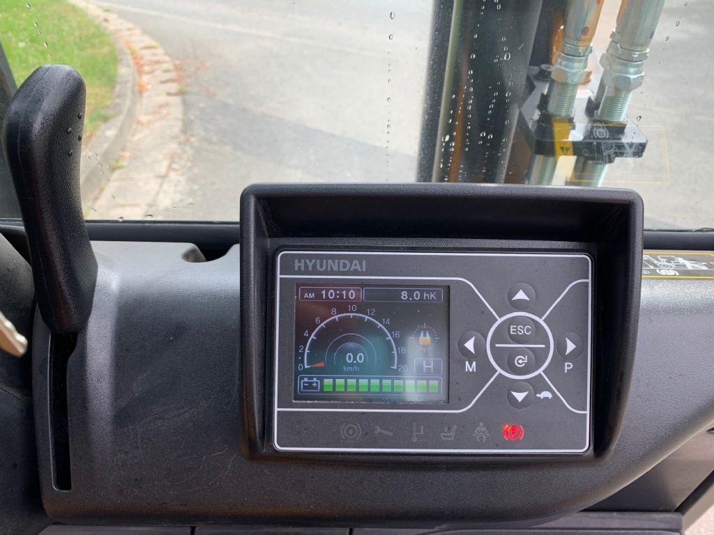 Hyundai 30B-9U Elektro 4 Rad-Stapler www.staplerjena.de