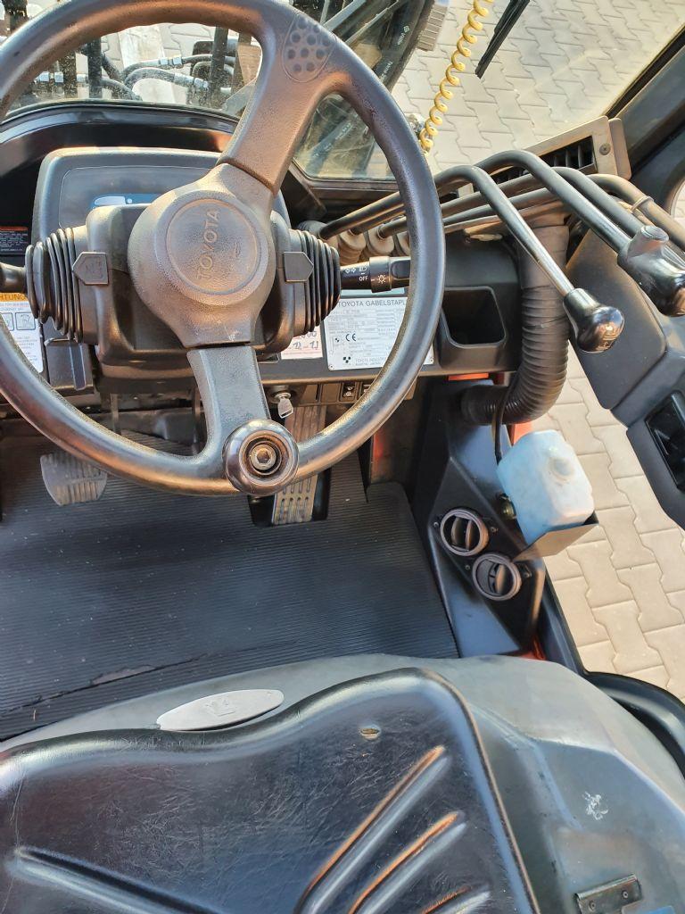 Toyota-02-7FD35-Dieselstapler www.kirchner-gabelstapler.de