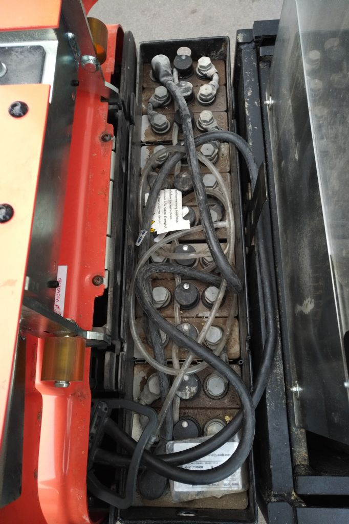 BT-SPE125L-Hochhubwagen www.kirchner-gabelstapler.de