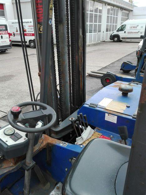 Moffett-M3 20.3-Mitnahmestapler www.kirchner-gabelstapler.de