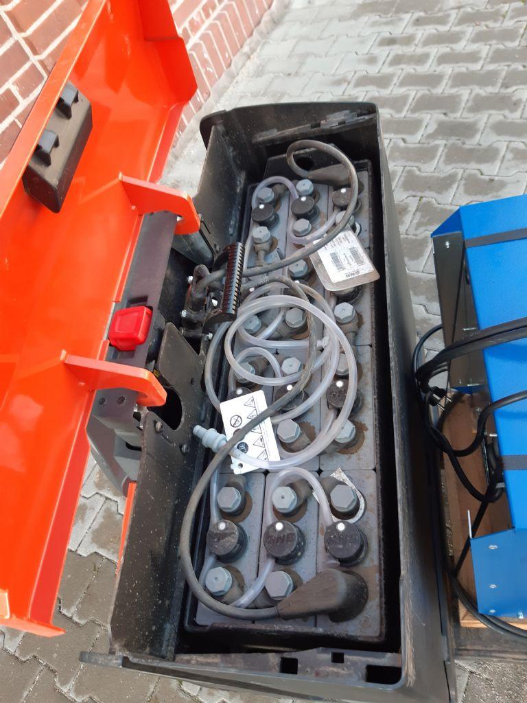 BT-LWE180-Niederhubwagen www.kirchner-gabelstapler.de