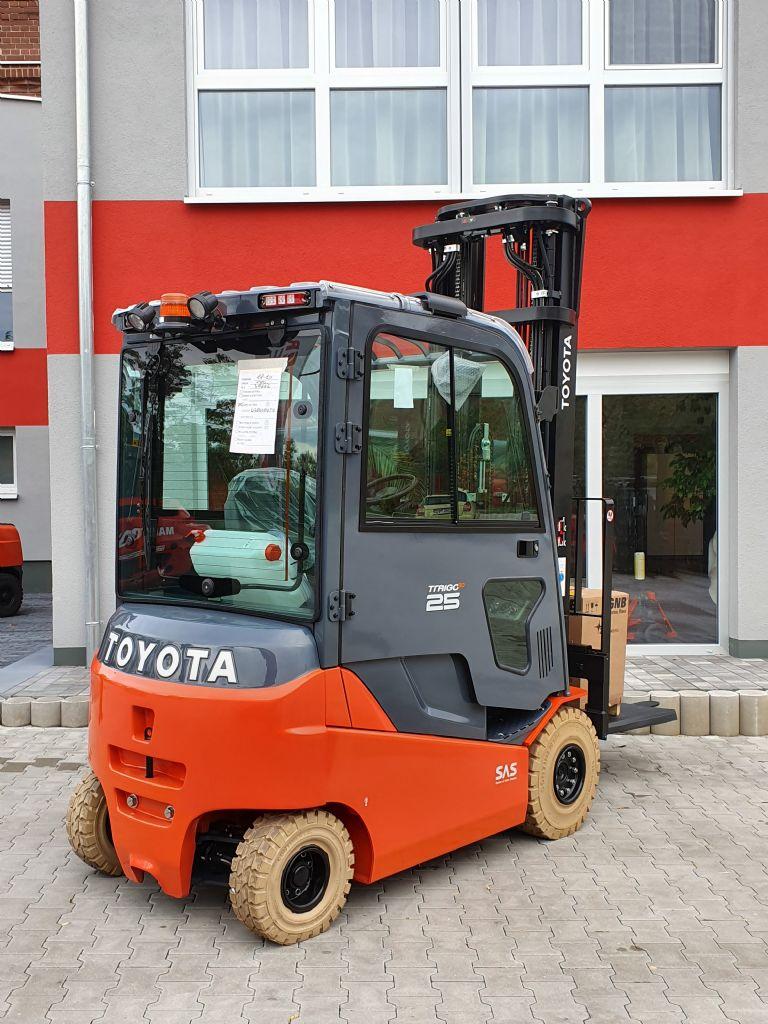Toyota-8FBMKT25-Elektro 4 Rad-Stapler www.kirchner-gabelstapler.de
