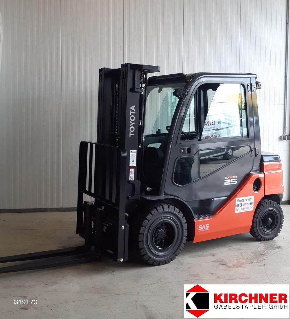 Toyota-8FDF25-Dieselstapler www.kirchner-gabelstapler.de