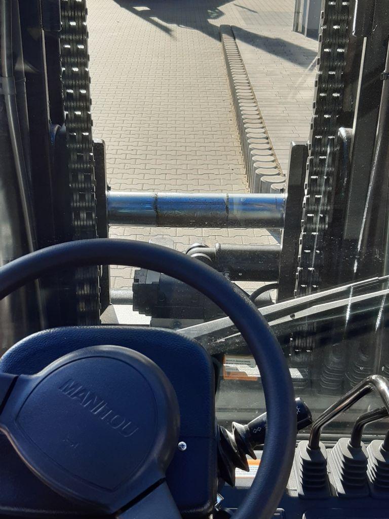 Manitou-MI 100 S ST4 S2-Dieselstapler www.kirchner-gabelstapler.de