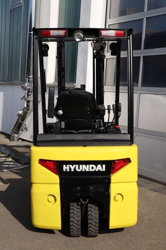 Hyundai-15BT-9-Elektro 3 Rad-Stapler-www.kloz-stapler.de