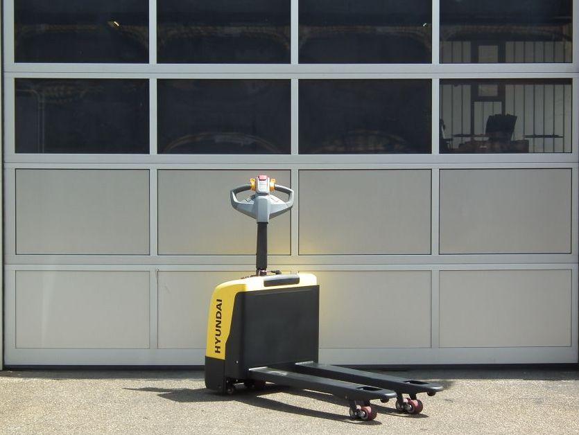 Hyundai-15EP-Niederhubwagen-www.kloz-stapler.de