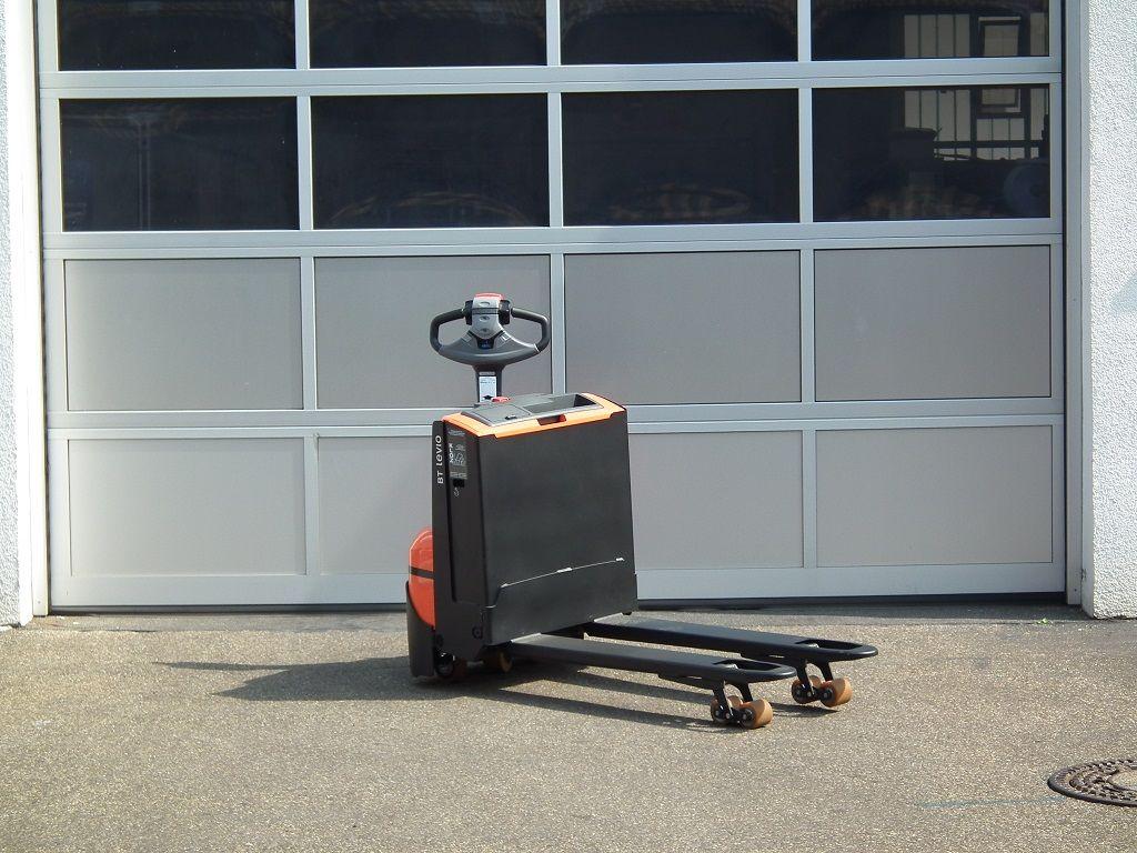 Toyota-LWE140-Niederhubwagen-www.kloz-stapler.de