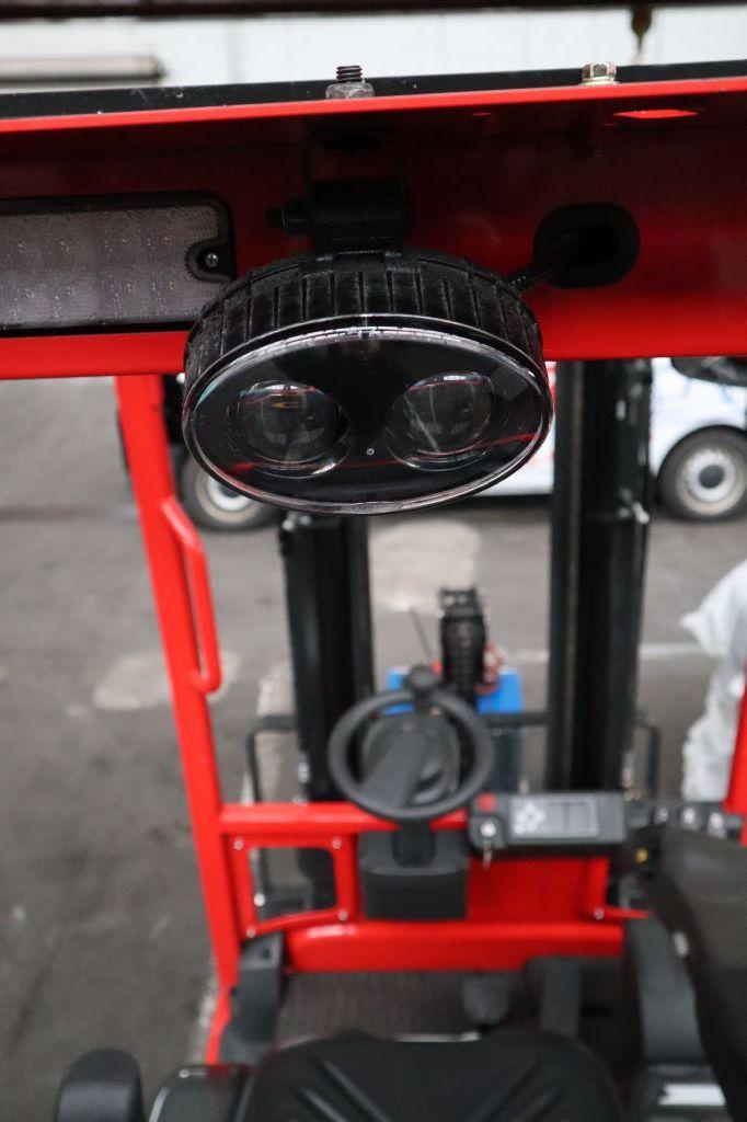 UniCarriers-TX3-15-Elektro 3 Rad-Stapler-www.kloz-stapler.de