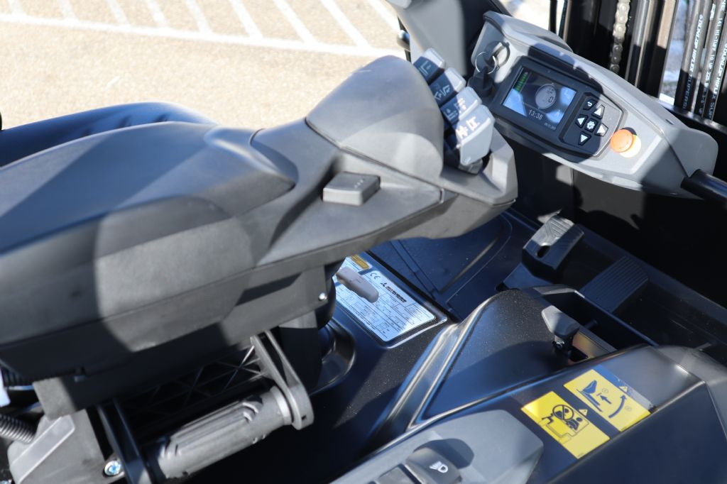 Mitsubishi-FB20ANT-Elektro 3 Rad-Stapler-www.kloz-stapler.de