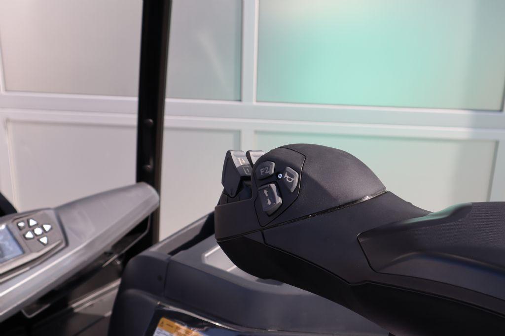 Mitsubishi-FB30CN-Elektro 4 Rad-Stapler-www.kloz-stapler.de