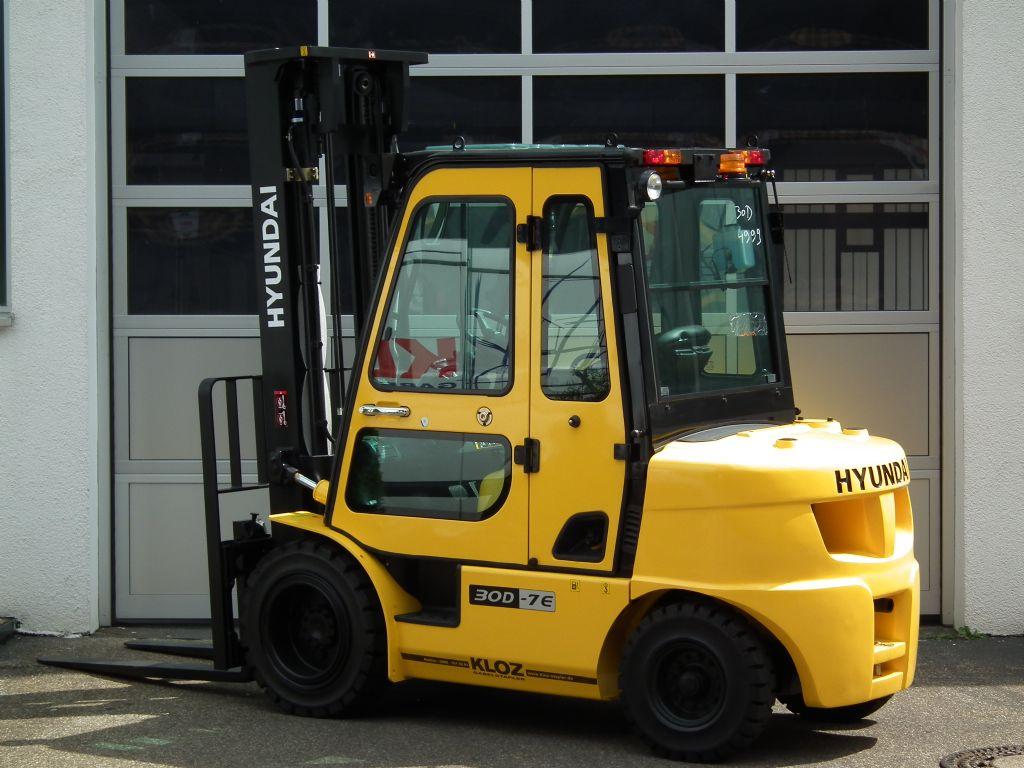 Hyundai-30D-7E-Dieselstapler-www.kloz-stapler.de