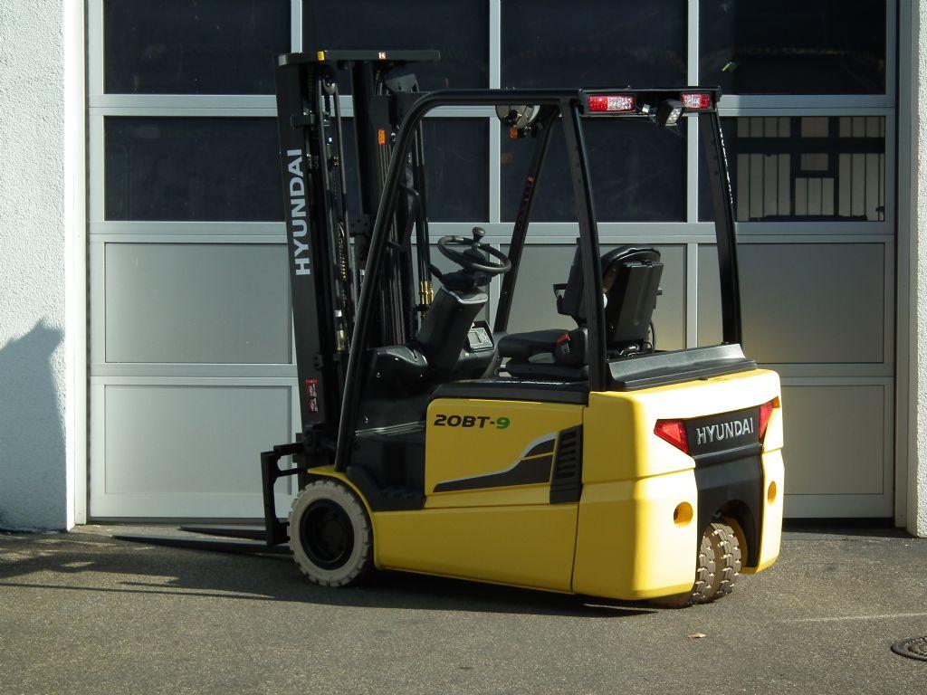 Hyundai-20BT-9-Elektro 3 Rad-Stapler-www.kloz-stapler.de