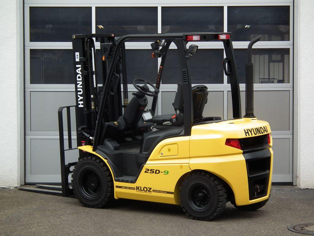 Hyundai-25D-9-Dieselstapler-www.kloz-stapler.de