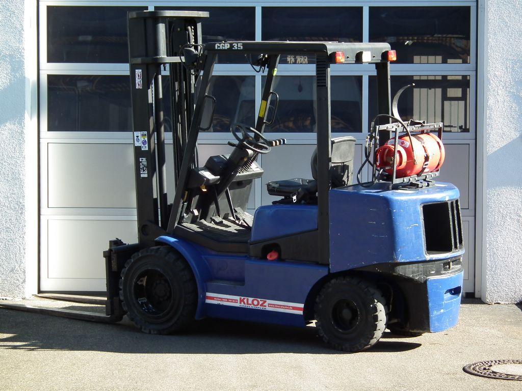 Clark-CGP35-Treibgasstapler-www.kloz-stapler.de