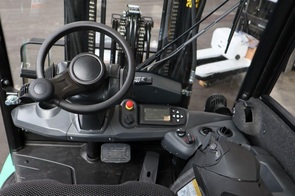 Mitsubishi-FB25N-Elektro 4 Rad-Stapler-www.kloz-stapler.de