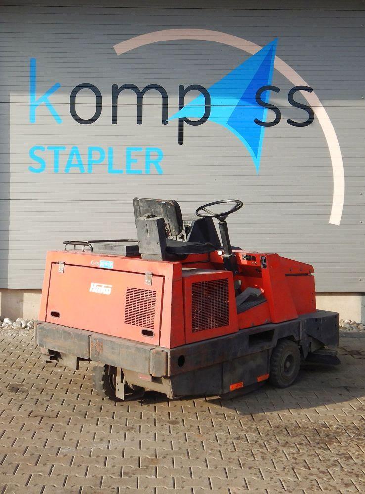 Hako Hako Jonas 1700 Kehrmaschinen www.kompass-stapler.de