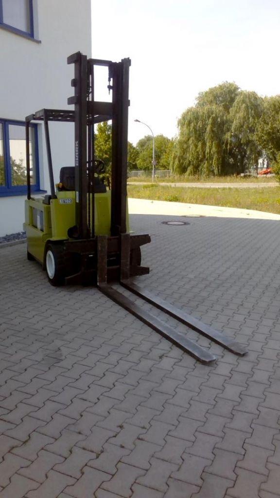 Clark CEM30S Elektro 4 Rad-Stapler www.kornetzki-gabelstapler.de