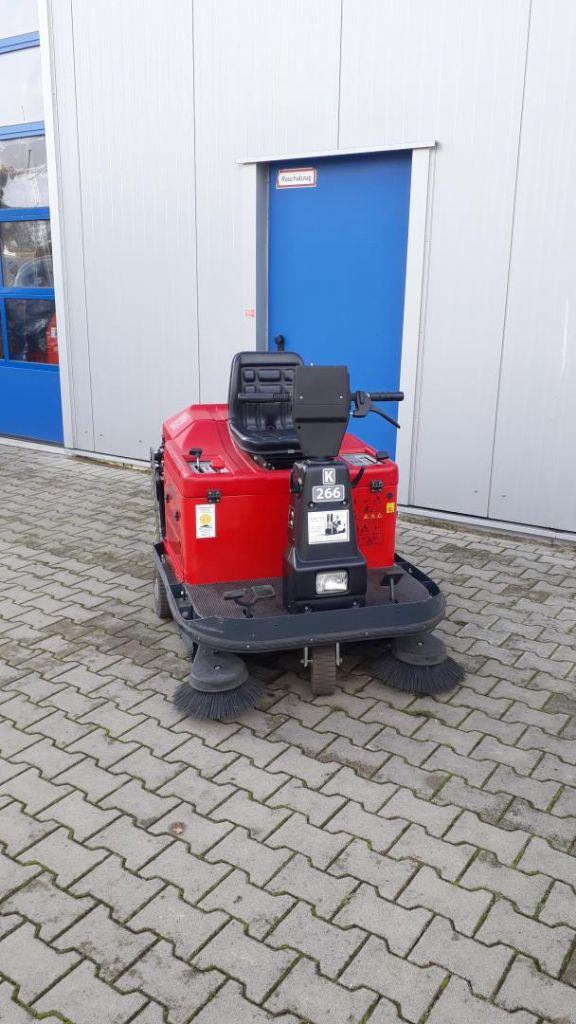 Wilms KS1300E Kehrmaschinen www.kornetzki-gabelstapler.de