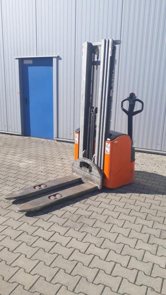 Still EGV 14 Hochhubwagen www.kornetzki-gabelstapler.de