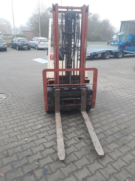 Datsun F01 Treibgasstapler www.kornetzki-gabelstapler.de
