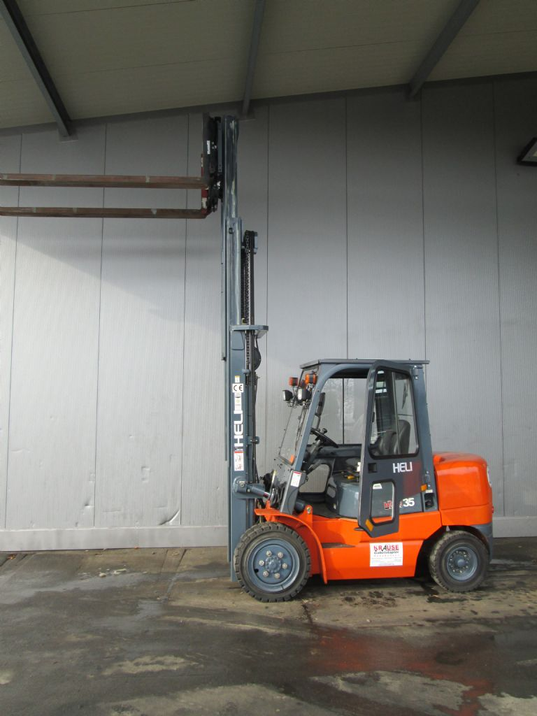 Heli-CPCD35KU2-Dieselstapler-www.krause-salem.de