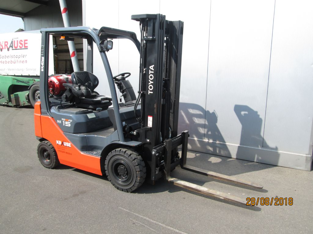 Toyota-02-8FDF15-Treibgasstapler-www.krause-salem.de