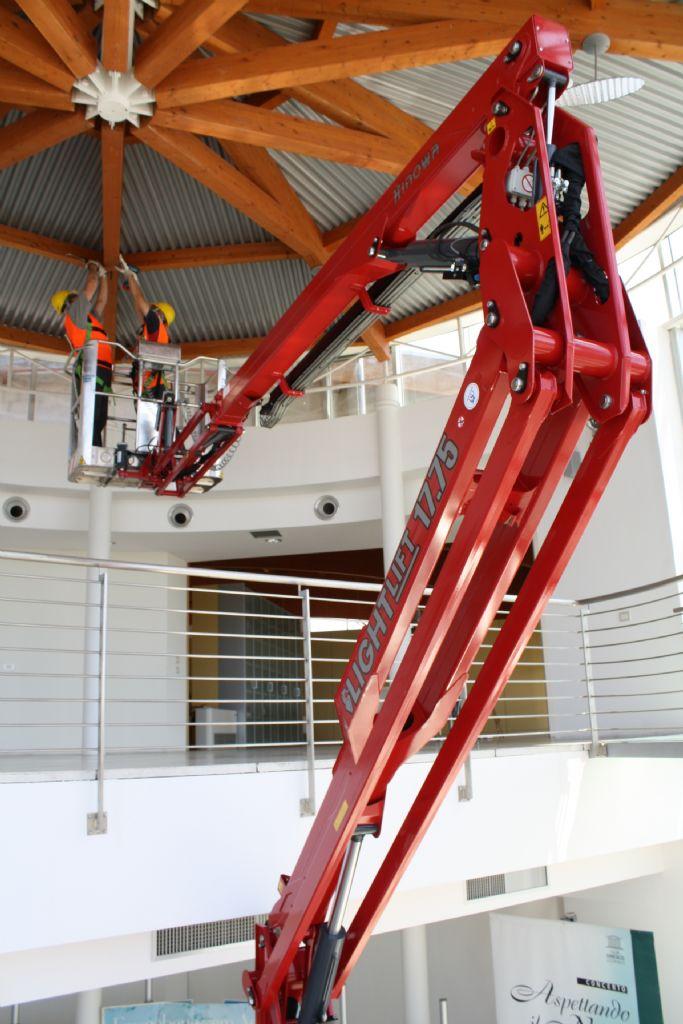 Hinowa-Lightlift 17.75 III S Performance-Raupenarbeitsbühne-www.krause-salem.de
