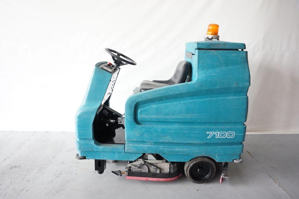 Tennant-7100-Scheuersaugmaschine-www.kriegel-gmbh.de