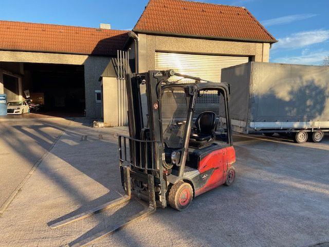 Linde-E 16 P EVO-Elektro 4 Rad-Stapler-www.watzinger-und-sohn.de