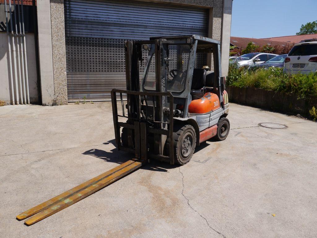 Toyota-6FGF25-Treibgasstapler-http://www.k-trucks.de