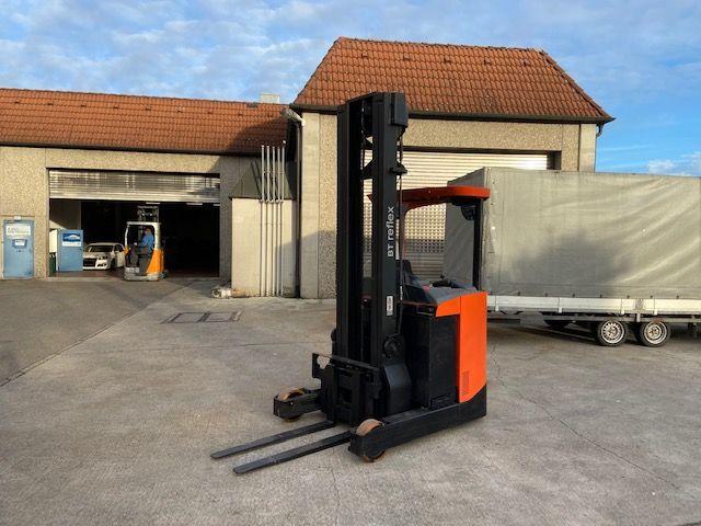 BT-RRE 140-Schubmaststapler-http://www.k-trucks.de