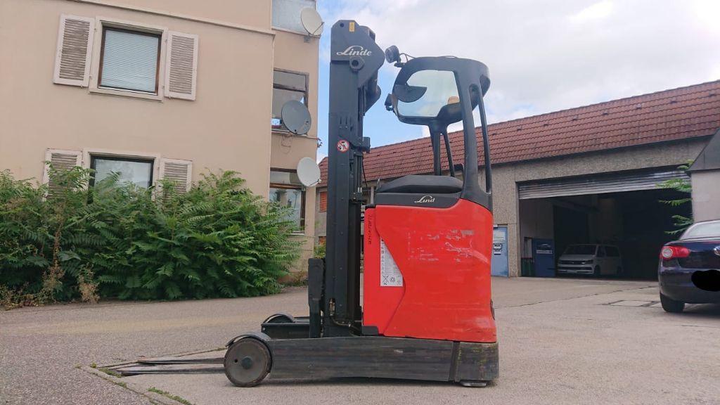 Linde R 14 Schubmaststapler www.watzinger-gabelstapler.de