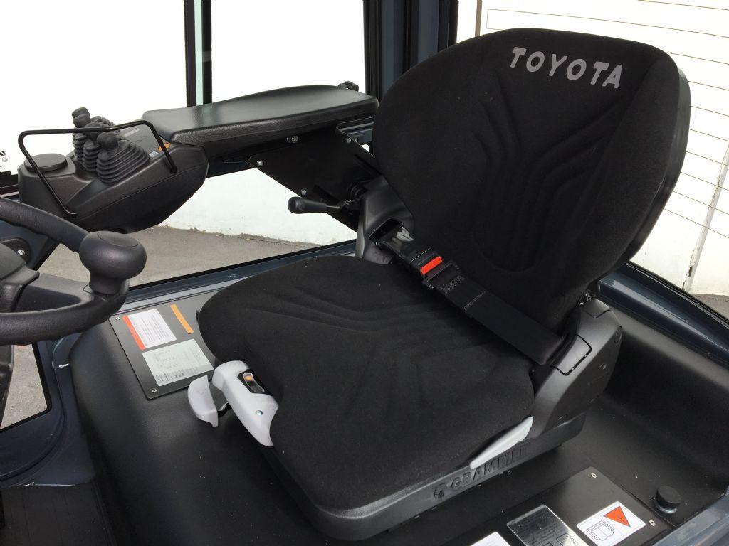 Toyota-8FBEK16T-Elektro 3 Rad-Stapler-www.kugler.net