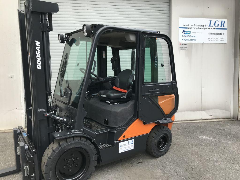 Doosan D35C-7 Dieselstapler www.lgr-lagertechnik.de