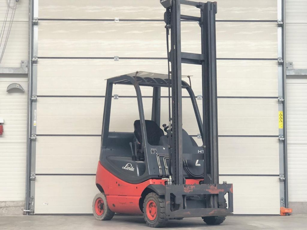 Linde-H16T-03-Treibgasstapler www.lifthandling.com
