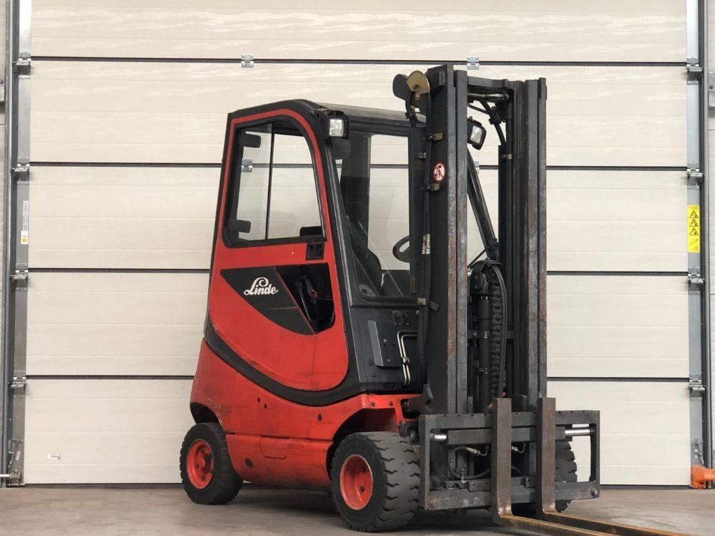Linde-H18T-03-Treibgasstapler www.lifthandling.com